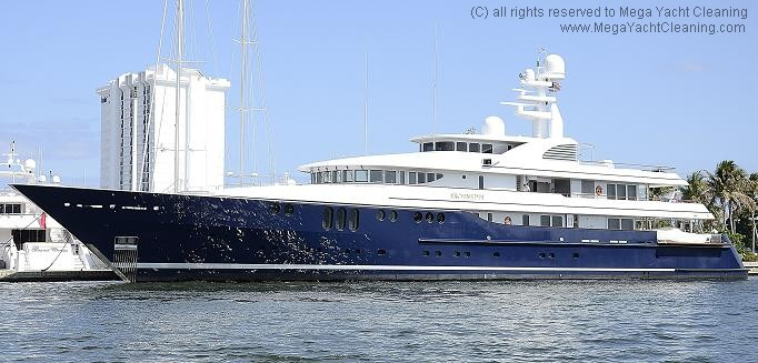 Customers Mega Yacht Cleaning